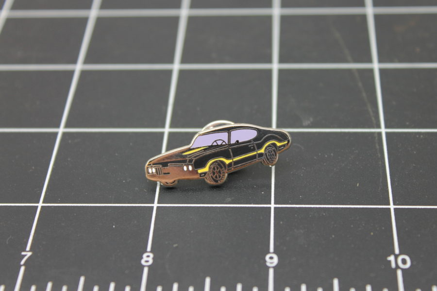 "BRAND NEW Lapel Pin MUSCLE CAR MOTOR ""442"" ENAMELED LIFETIME GUARANTEE 1"