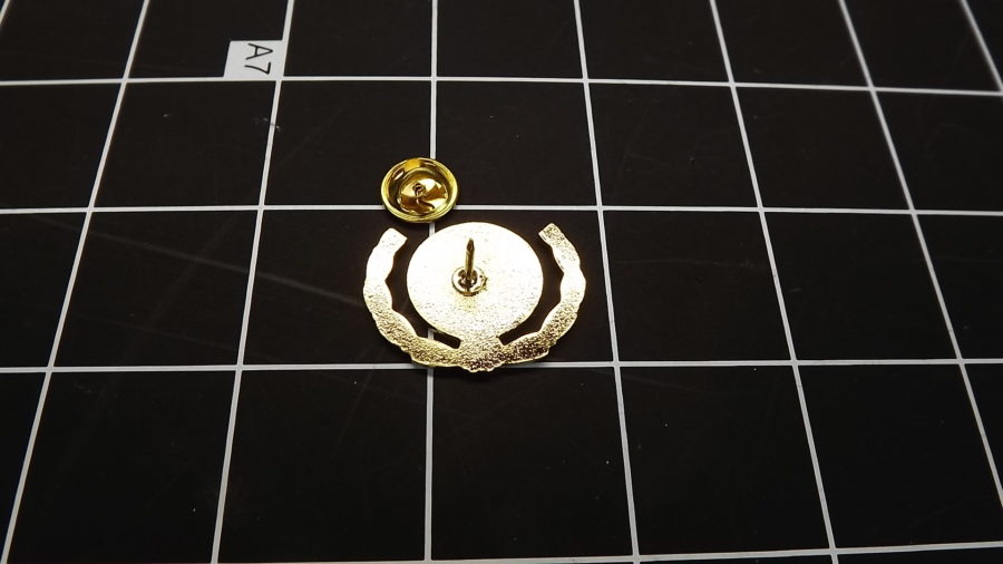 BRAND NEW GOLD TONE USMC UNITED STATES MARINE CORPS WREATH LAPEL / HAT PIN 3