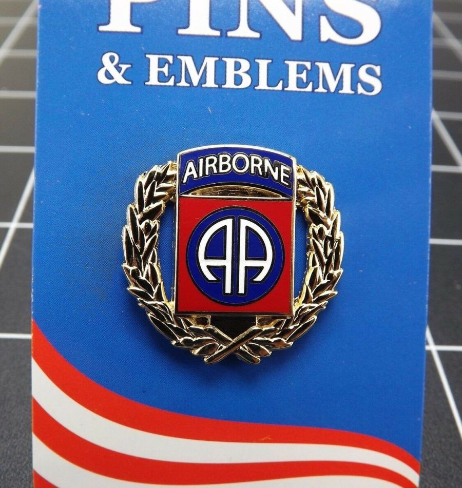 "BRAND NEW Lapel Pin United States Army 082ND Airborne Division Wreath 1 1/16"" 1"