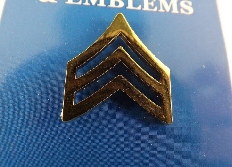 "BRAND NEW Lapel Pin U.S. ARMY E5 SGT Gold Tone 1"" 1"