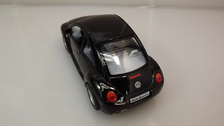"Collectible Die Cast BLACK Volkswagen ""NEW BEETLE"" VW 1:32 Scale 3"