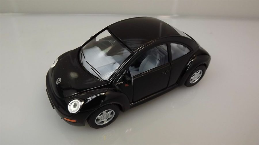 "Collectible Die Cast BLACK Volkswagen ""NEW BEETLE"" VW 1:32 Scale 1"