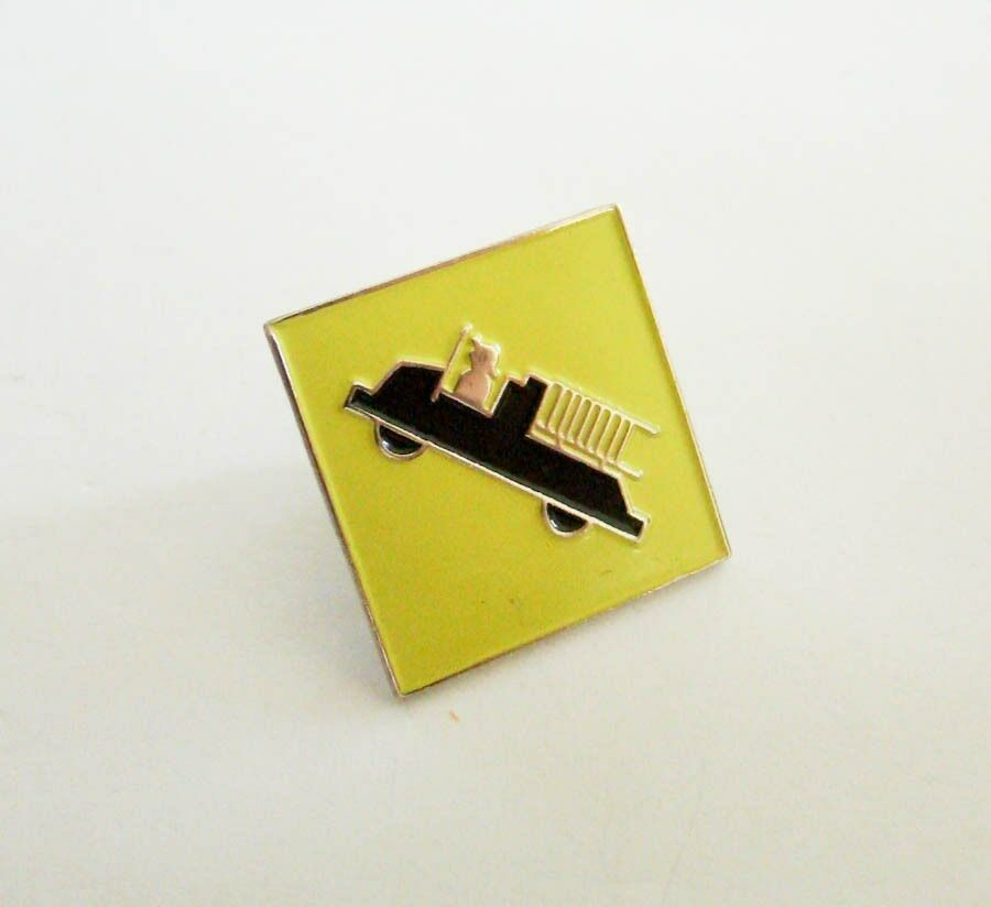 NEW Yellow Fire Engine Truck Lapel Pin NEW 1