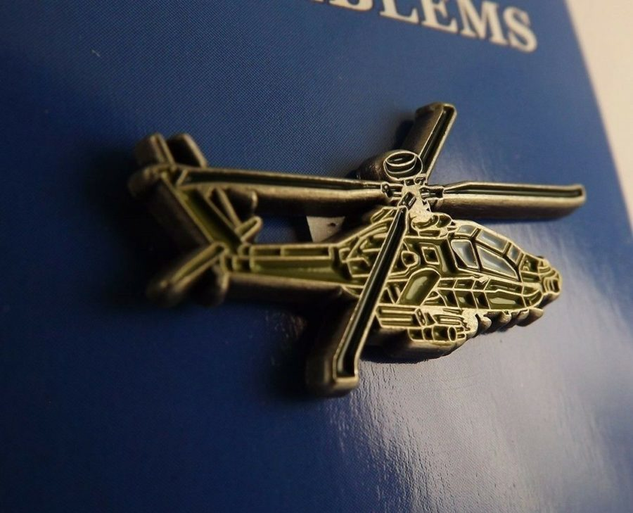 "BRAND NEW Lapel Pin Helicopter AH-64 APACHE Green Enamel 1 1/4"" 1"